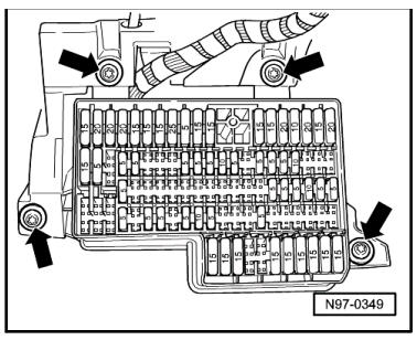 fuse panel diagram 2011 jetta tdi with Showthread on Wipers Washers Not Working further 2006 Jetta Relay Panel Diagram in addition 2011 Vw Jetta Headlight Diagram Wiring Photos For likewise Vw Jetta Fuse Box Diagram together with 2005 Volkswagen Beetle Convertible Wiring Diagram.
